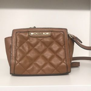 Michael Kors Bags - Small quilted Michael Kors crossbody